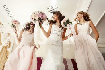 Vestido de noiva básico e clássico: Ainda está na moda?