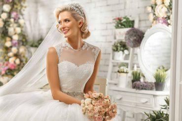 Compra ou aluguel? Saiba escolher o melhor vestido para casar