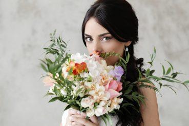Conheça 3 tendências de penteados para noivas