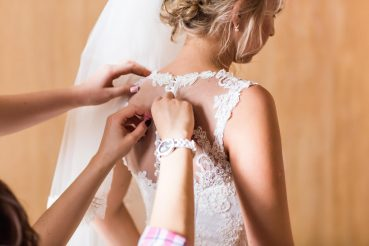 Vestido de noiva: veja como ficar linda durante o dia e ao ar livre