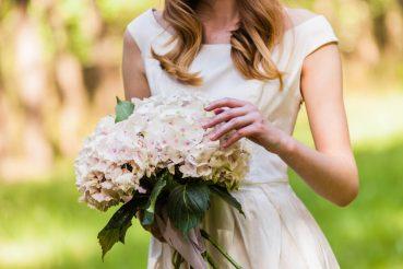 Vestido de noiva simples: saiba como usar e arrase nos detalhes